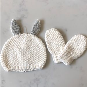 Gap baby hat and mittens – size 12 to 18 month